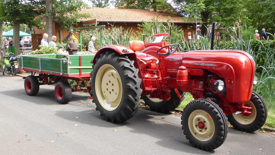 traktoren-ausstellung-11.8.19_(2)