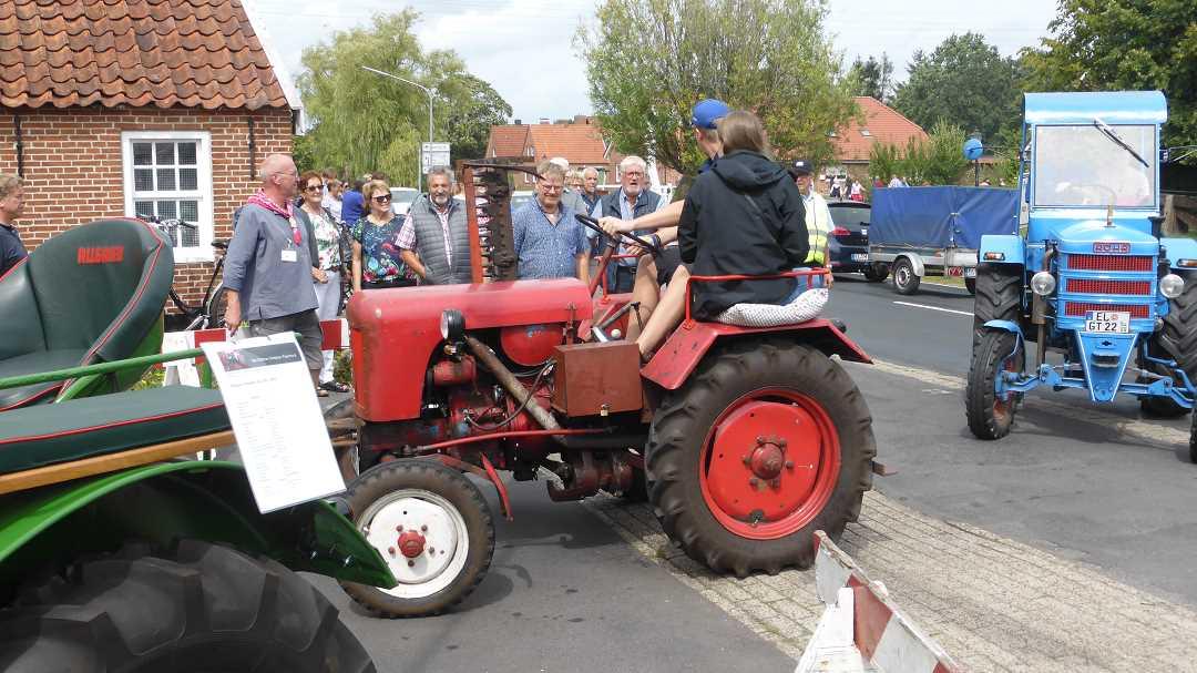 traktoren_oldtimer_korsofahrt_11.8.19_(31)